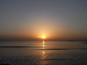 東の海から日の出